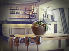 Il tuo negozio, il tuo bar...arredalo con noi di C2R.  www.c2r.it