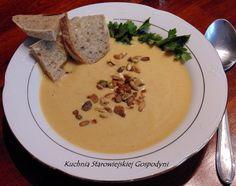 Beżowa zupa kremowa z serkiem topionym