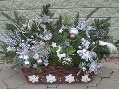 vánoční Christmas Tablescapes, Christmas Centerpieces, Christmas Decorations, Holiday Decor, Christmas Porch, Christmas Wreaths, Merry Christmas, Ikebana, Fall Decor