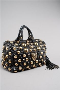 For those of you that watch Doctor Who - this looks like a Dalek Bag!