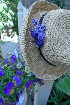 Beautiful Gardens, Beautiful Flowers, Purple Garden, Violet Garden, Lavender Garden, Enchanted Garden, Belle Photo, Pansies, Spring Time
