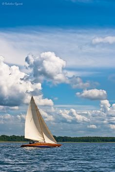 Inland yacht sailing in close reach (by the wind) in a nice, windy weather. Masuria, Poland, View large (C) Radoslaw Czyrnek. Landscape Art, Landscape Photography, Ireland Landscape, Qatar Travel, Boat Wallpaper, Sailboat Yacht, Boat Art, Boat Painting, Yacht Design
