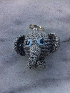 crochet keyring, crochet keychain, elephant, πλεκτό μπρελόκ, crochet animals, ελεφαντάκι