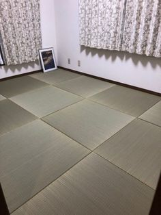 畳を全面に敷き詰めて、木質フローリングとは違った、温もりと柔らかさ感じる畳の床にDIY Tatami Room, Tile Floor, Japanese, Flooring, Japanese Language, Tile Flooring, Wood Flooring, Floor, Washitsu