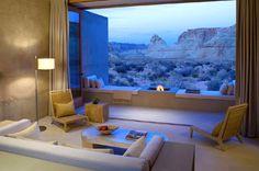 旅行の目的がホテルでの滞在という場合もありますよね♪観光もいいですが、絶景を眺めながらホテルのお部屋でゆっくり過ごすのもいいですね! 今回は、大自然に囲まれた絶景ホテルをご紹介いたします!        1.アマンギリ【アメリカ】   荒野の真ん中に孤高と存在する、アメリカの高級リゾート。...