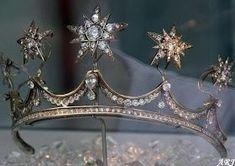 The Star Tiara The star version of the Pearl Button Tiara was created specifically for Maxima Zorreguieta for her wedding to Willem-Alexander, Prince of Orange.