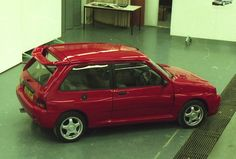 Rover Special Products wanted to recreate the magic of the by producing a spiritual successor to the MG Metro Turbo. The Metro SP was that car Classic Mini, Classic Cars, Rover Metro, Thing 1, Retro Cars, Concept Cars, Supercars, Jaguar, Cars Motorcycles