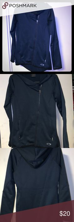 1c9acec856113 Oakley jacket In great condition excellent workout jacket