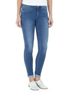 #Skinny Jeans mit Mid Rise -  Die #Jeans mit leichter #Waschung ist ein perfektes #Basic, das sich super einfach kombinieren lässt ♥ ab 29,95 €