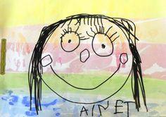 Tapa P3 feta amb cartolina tenyida amb paper de seda mullat amb aigua i alcohol. Dibuix amb retolador negre al damunt. Cedida per Rosa Pastor.
