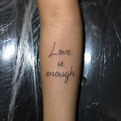 Tattoo Frase https://www.facebook.com/277582875760286/photos/pcb.720424478142788/720424448142791/?type=3&theater
