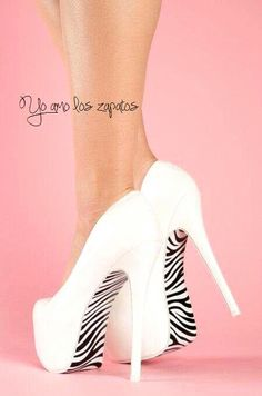 Yo amo los zapatos altos