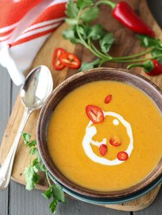5 Ingredient Thai Pumpkin Soup makes for a super fast weeknight dinner and is good enough for entertaining | foodiecrush.com