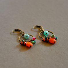 Boucles d'oreilles fantaisies pierres fines colorées sur dormeuses bronze : Boucles d'oreille par kanakeis
