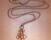 Collier garabato chaîne avec pendentif en métal cuivré et Hématite : Collier par que-cuchi