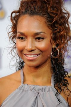 Rozonda Thomas Photos - Singer Rozonda Chilli Thomas attends 2010 Hip Hop Honors at Hammerstein Ballroom on June 2010 in New York, New York. Beautiful Old Woman, My Black Is Beautiful, Beautiful People, Chilli Tlc, Biracial Women, Best Female Artists, Curly Hair Styles, Natural Hair Styles, Hair Today
