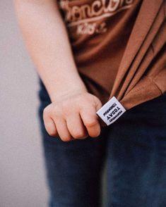 🙏🏼All the little Details in Life...🙏🏼-🧐Es sind die kleinen Details im Leben die wir tatsächlich oft vergessen, nicht mehr sehen oder einfach für selbstverständlich halten.-🤓Über Social Media sehen wir, dass es scheinbar überall anders läuft und bei einem selbst nicht. Jeder ist glücklich, jeder ist froh, und wir selbst vergessen dabei oft, was eigentlich bei uns gerade Gutes passiert. Clothing Company, My Design, Cufflinks, Rings For Men, Instagram, Left Out, Simple, Men Rings, Wedding Cufflinks