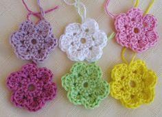 Small Flower Crochet Pattern.