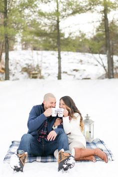 Winter engagement shoot: http://www.stylemepretty.com/new-jersey-weddings/2017/03/02/snowboarding-engagement Photography: Amy Rizzuto - http://amyrizzutophotography.com/