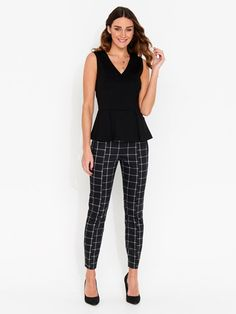 On the lookout for the perfect pair of women's pants? Shop slim and wide leg styles, ponte pants, culottes and capris online now at Portmans. Special Occasion Dresses, Latest Fashion Trends, Work Wear, Georgia, Capri Pants, Fashion Dresses, Clothes For Women, Work Outfits, My Style