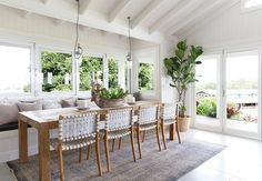 Brilliant Hamptons Kitchen Table To Update Your House 33 Dressing Room Design, Stylish Bedroom, Dining Area, Sunroom Dining, Dining Rooms, Living Room Decor, Outdoor Furniture Sets, Outdoor Decor, Sweet Home