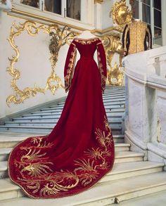 Court dress worn by Maria Feodorovna, 1880's Russia