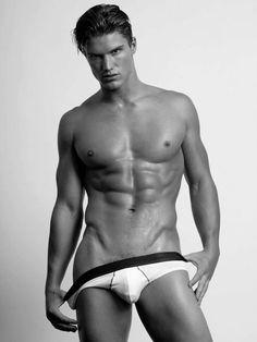 Matthew-McGue-gay-clubjimmy-0000