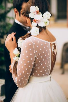Flowers in her hair + Laveda Bridal wedding dress Image by Weddings by Sasa Tomic Country Wedding Dresses, Bridal Wedding Dresses, Bridal Style, Wedding Flowers, Bridesmaid Dresses, Jenny Packham, Polka Dot Wedding Dress, Dot Dress, Magenta Wedding