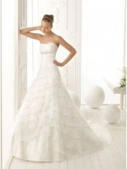 Organza Softly Curved Strapless A-Line Style with Asymmetrically Tiered Ruffle Skirt New Wedding Dress