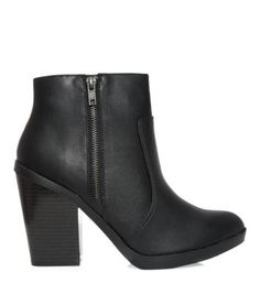 Black Chunky Sole Pointed Shoe Boots