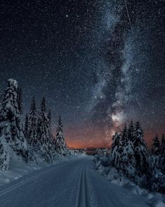 Would you go skiing here? by Camping Car France, Camping 3, Portrait Photography, Travel Photography, Go Skiing, Mountain Wallpaper, Visit Norway, Pinterest Photos, Parcs