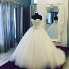 Wedding Dresses Pearls Beaded Sweetheart Tulle Wedding Dresses,Ball