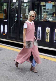 The fashion blogger Linda Tol during Milan Fashion Week. (Photo: Lee Oliveira for The New York Times)