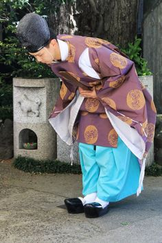"todayintokyo:  "" Shinto priest at Namiyoke Inari Jinja (波除稲荷神社)  """