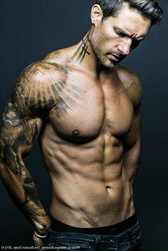 Ray of Light & Horse: Male Model Weston Boucher by Marissa Boucher Best Sleeve Tattoos, Sexy Tattoos, Tattoos For Guys, Cool Tattoos, Beautiful Tattoos, Black Dagger Brotherhood, Tattoo Arm Mann, I Tattoo, Faded Tattoo