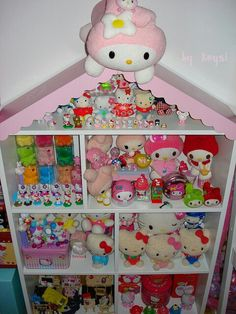 Hello Kitty...my all time favorite when I was little. Now my niece loves her xox