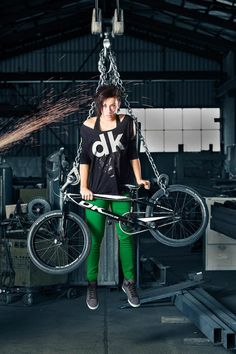 Caroline Buchanan: BMX & Mountain Bike Professional Athlete, 3 time World Champion & London 2012 Olympic BMX finalist. Bmx Girl, Best Mtb, Skateboard Logo, Bike Photoshoot, Bmx Racing, Bmx Freestyle, Cycling Girls, Bicycle Girl, Bmx Bikes
