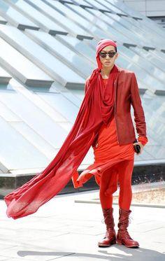 Korean view of avant-garde fashion: Gonk