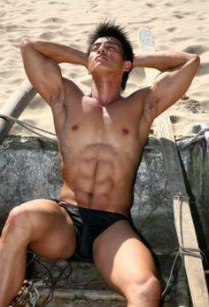 Mannequins hommes asiatiques