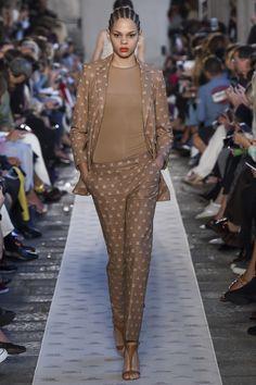 Max Mara Spring 2018 Ready-to-Wear  Fashion Show