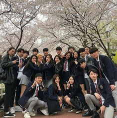 Korean school uniforms why in my school there was no such itskoreanstyledoes not own any photos, all credit to owners . Ulzzang Korea, Korean Ulzzang, Korean Girl, Korean Style, Ulzzang Couple, Ulzzang Girl, Korean Uniform School, Aesthetic Korea, Korean Best Friends