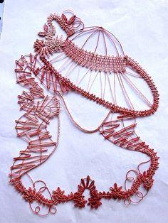 Paper Embroidery, Embroidery Kits, Bobbin Lace Patterns, Lace Heart, Lace Jewelry, Needle Lace, Paracord Bracelets, String Art, Bracelet Patterns