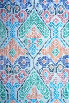 Textile Tribes of the Philippines: Yakan Weaving, Weddings and Wears - Haute Culture Textile Tours Weaving Textiles, Weaving Patterns, Textile Patterns, Regions Of The Philippines, Filipino Art, Philippine Art, Color Schemes Colour Palettes, Mindanao, Aesthetic Colors