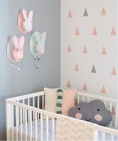 Gris y rosa para la habitación del bebé | Decoración Bebés y Habitaciones de Bebé