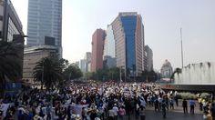 CIUDAD DE MÉXICO (proceso.com.mx).- Diversas marchas encabezadas organizaciones sociales en rechazo al aumento de combustibles se registran en la Ciudad de México, así como en el Estado de México, Chiapas, Tabasco, Jalisco, Sonora y Puebla. En la capital del país, cientos de manifestantes se reunieron en el Ángel de la Independencia y marcharon rumbo alLeer más