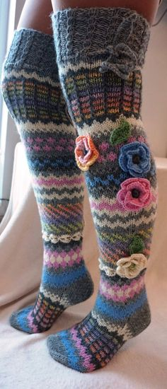 Knitting Patterns Leg Warmers 50 ideas knitting patterns leg warmers libraries for 2019 Joining Yarn Knitting, Lace Knitting, Knitting Socks, Knitting Patterns, Wool Socks, Knit Mittens, Knitted Gloves, Over Knee Socks, Knitting Accessories