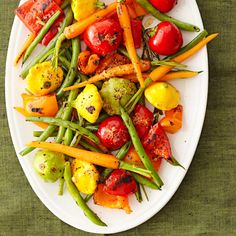 Brighten up your backyard barbecue menu with this Grilled Vegetable Platter! More recipes: http://www.bhg.com/holidays/july-4th/recipes/4th-july-recipes/?socsrc=bhgpin070613veggieplatter=6