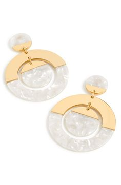 Women's J.crew Tortoiseshell Double Disc Earrings - Women's style: Patterns of sustainability Keep Jewelry, Cute Jewelry, Pearl Jewelry, Women Jewelry, Fashion Jewelry, Fashion Earrings, Fashion Accessories, Bridal Earrings, Women's Earrings