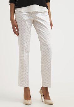 que es un personal shopper - pantalon estampado discreto