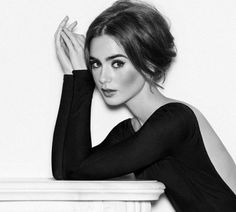 Bild über We Heart It #beautiful #beauty #blackandwhite #brunette #gorgeous #makeup #model #petite #photography #pretty #vintage #lilycollins #actressiil